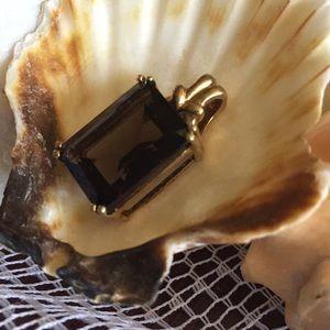 Jewelry - Vintage topaz 10k Pendant